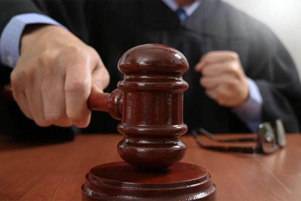 Read more about the article Falling water heater case gets surprising verdict