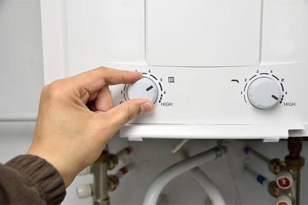 Comparing traditional water heaters to tankless water heaters